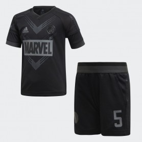 A0899 ชุดเซตเด็ก adidas Marvel Black Panther Football Set-black