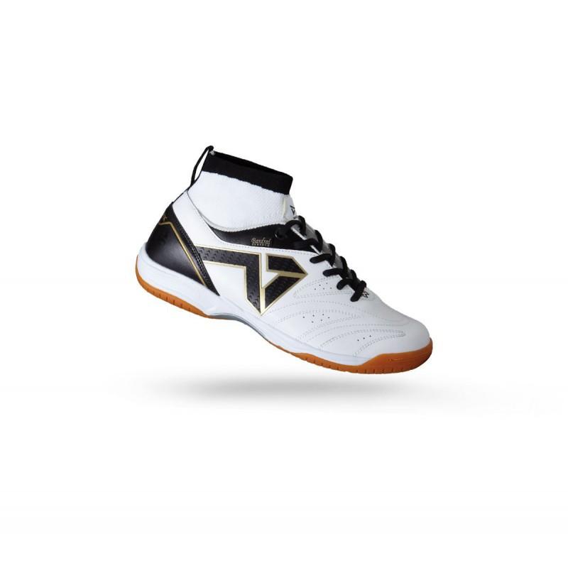 W1605 รองเท้าฟุตซอล Warrix URAYASU - สีขาว/ดำ